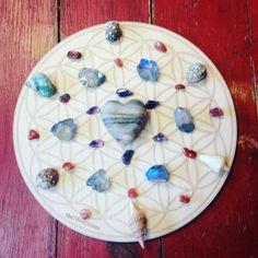 @the7directions #crystalgrid #healingcrystals #sacredgeometry #prayercircle #floweroflife #shaman #medicinewoman #medicinewheel #yoga #lightworker