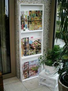 houten dienbladen van de action als tijdschriften-rek