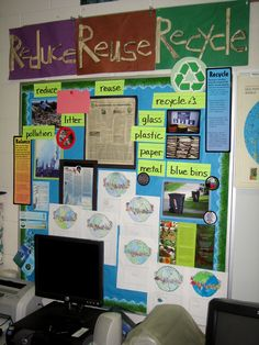 Recycling classroom board, love it Library Displays, Classroom Displays, Science Display, Sustainability Projects, Recycling Information, Green School, Material Science, Classroom Organisation, Reduce Reuse Recycle