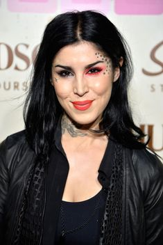 Celebrities in Recovery - Kat Von D - Recently celebrated 6 years of sobriety. 28 stars in recovery, Huffington Post Article
