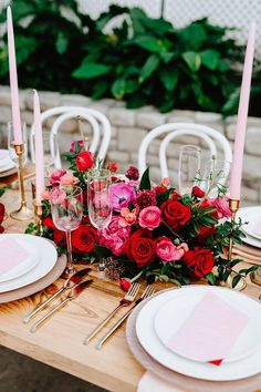 This flirty mid-century Valentine's Day bash has plentiful party ideas you'll want to borrow- a pink balloon garland + Cupid's arrow seating chart to start! Red Wedding, Wedding Table, Wedding Colors, Wedding Flowers, Wedding Day, Gothic Wedding, Wedding Season, Wedding Dresses, Colourful Balloons