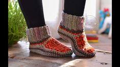 Crochet Shoes, Diy Crochet, Crochet Dolls, Crochet Bikini, Step By Step Crochet, Diy Clothes Videos, Knitted Slippers, Crochet Videos, Crochet Accessories