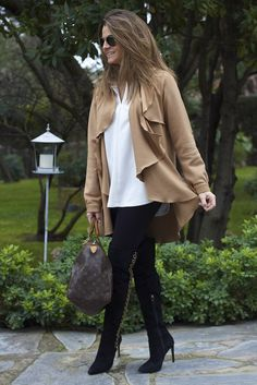 Fashion and Style Blog / Blog de Moda . Post:  Camel Jacket from Oh My Looks / Chaqueta Camel de Oh My Looks   ( Online Shop / Tienda online : www.ohmylooksshop.com )  .More pictures on/ Más fotos en : http://www.ohmylooks.com .Llevo/ I wear : Jacket / Chaqueta :Oh My Looks  ( Pedidos / Orders : info@ohmylooks.com) ; Bag / Bolso : Louis Vuitton