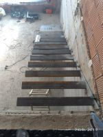 floating stair with metal structure - CitySolutions Modern Stair Railing, Modern Staircase, Staircase Design, Stairway Railing Ideas, L Shaped Stairs, Stair Kits, House Staircase, Stair Makeover