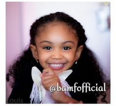 Beautiful little girl with a heart melting smile Beautiful Black Babies, Beautiful Children, Baby Kind, Pretty Baby, Cute Mixed Babies, Cute Babies, Natural Hairstyles For Kids, Natural Hair Styles, Kind Photo