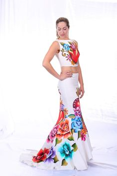 Mexican Outfit, Mexican Dresses, Silk Dress Design, Vestido Charro, Mexican Clothing, Tie Day, Elegant Dresses For Women, Folklore, Formal Wear
