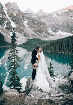 20 dreamy wedding photos from mountain weddings - Braut - Hochzeit Wedding Destination, Wedding Goals, Wedding Pictures, Wedding Venues, Wedding Ideas, Wedding Planner, Wedding Decorations, Wedding Favors, Wedding Ceremony