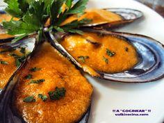 Mejillones a la marinera Carne, Cantaloupe, Fruit, Food, Fish Recipes, Appetizers, Calamari, Entrees, Tasty