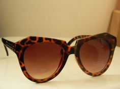 A twist on cat eyes. Reminds us of our Niagara & Lindy Hop (Tort colors) found at www.fantas-eyes.com