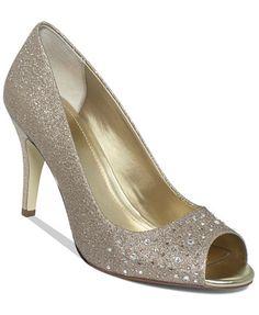 f7b2ca673e5 30 Best Bridesmaids shoes images