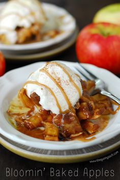 Bloomin' Baked Apples taste like apple pie with an ooey, gooey caramel center! This is an easy dessert recipe for fall and its made with Honeycrisp apples.