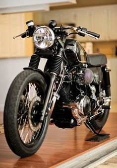 Cafe Racer: Front View
