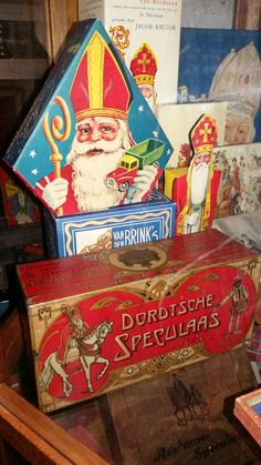 Sinterklaas, museum indezevendehemel te Apeldoorn St Nicholas Day, Family Roots, Santa Clause, Rotterdam, Childhood Memories, Iris, Art Nouveau, Saints, Rainbow