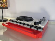 Vintage MIRAGE Turntable Record Player made in Italy  in red and white color by LaLanterne on Etsy