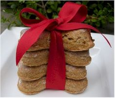 Dog Treat Recipes Learn how to make healthful dog treats at home. We have a large collection of dog biscuit recipes including decorating tips.