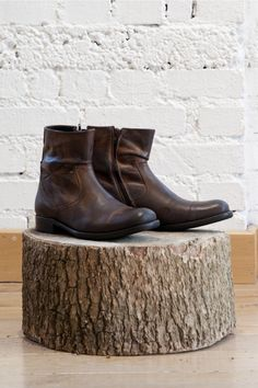 Base Keystone Men's Leather Ankle Boots Tan - I want!