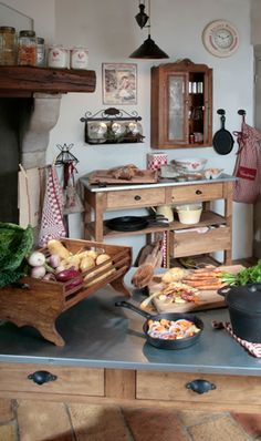 Comptoir de Famille : Décor from the heart of the French countryside