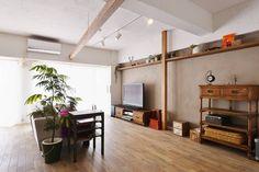 斜めの廊下と梁でラインを引き広がりのある空間に: スタイル工房 stylekoubouが手掛けたです。