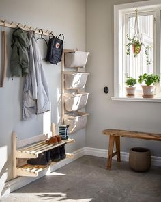 Discover recipes, home ideas, style inspiration and other ideas to try. Hall Interior, House With Porch, Entryway Coat Rack, Interior, Hallway Storage, Home Entrance Decor, Home Decor, Ikea Entryway, Home Furnishings