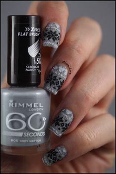 Velvet + Stamping = Sweater Nails !