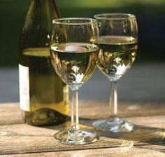 Shop Chardonnay fragrance oil from Lone Star Candle Supply. The unmistakable bouquet of a premium white wine. FedEx orders placed by CST ship same day! Buy now! Wine Tasting Course, Wine Offers, Wine Subscription, Sweet Wine, Expensive Wine, Wine Bottle Labels, Wine Bottles, French Wine, Cheap Wine