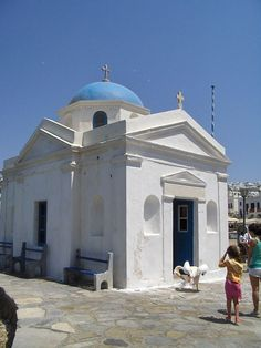 Church at the port--and a pelican! - Mykonos, Greece - Konstantinos Stampoulis, own work - Wikipedia, the free encyclopedia
