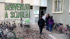 Benvenuti a scuola! by Equo di Bergamo. Il cortometraggio, finanziato dal Fondo Europeo per l'Integrazione (FEI), racconta l'esperienza ventennale della scuola di italiano per stranieri della Cooperativa Ruah di Bergamo.