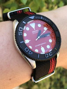 [Seiko Black & Red 'Ducati' Mod – The WristWatch Seiko Skx009, Seiko Mod, Seiko Watches, Cool Watches, Watches For Men, Stylish Watches, Luxury Watches, Ducati, Watches Photography