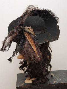 Barbossa Pirate Hat//Pirate hat//Barbossa steampunk//Gothic//black felt hat with feathers/LARP accessory mask spell black Barbossa Piratenhut / / Piratenhut / / Barbossa Steampunk / / Pirate Cosplay, Pirate Garb, Pirate Costumes, Pirate Outfits, Pirate Clothes, Crazy Costumes, Teen Costumes, Princess Costumes, Halloween Costumes