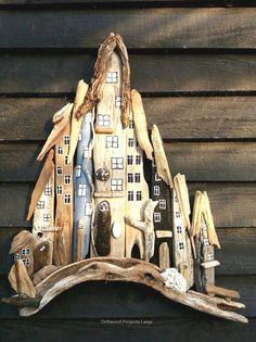 where to buy driftwood - Driftwood Crafts - Holz Buy Driftwood, Driftwood Furniture, Driftwood Projects, Driftwood Ideas, Beach Wood, Beach Art, Wall Clock Design, Diy Holz, Beach Crafts