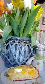 Pullantuoksuinen koti: Mehevä persikkapiirakka Pineapple, Tray, Fruit, Plants, Food, Decor, Decoration, Pine Apple, Essen