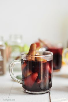 With cinnamon, nutmeg, allspice and cloves, this #SpicedRight fall Sangria recipe is sure to be a big hit at your big meal. (Via thechicsite.com)