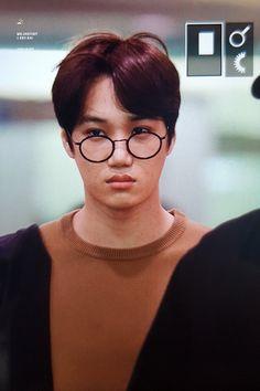 Jongin [Heading to Elyxion in Manila] Baekhyun Chanyeol, Exo Kai, Airport Look, Chansoo, Exo Korean, Kim Jongin, Asian Boys, Dance Music, Boy Bands