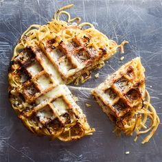 The Greatest Foods That Can Be Made In A Waffle Iron. Cinnamon rolls, chocolate chip cookies and even Sunday spaghetti can waffle. Churros, Kitchen Recipes, Cooking Recipes, What's Cooking, Kitchen Tips, Spaghetti Pie Recipes, Cheese Spaghetti, Risotto, Foods With Iron