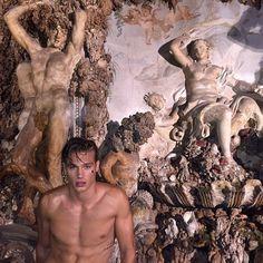 He looks like the art Beautiful Boys, Pretty Boys, Cute Boys, Greek Gods, Romanticism, Pretty Pictures, Pretty People, Character Inspiration, Mythology