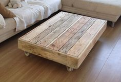salontafel 600x407 Coffee table on wheels in pallet living room pallet coffee tables with Upcycled Pallets Coffee table