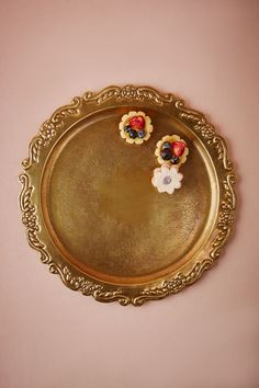 Pass your cocktails on this vintage-inspired brass tray to add a glamorous touch to your wedding reception   Heirloom Brass Tray from BHLDN