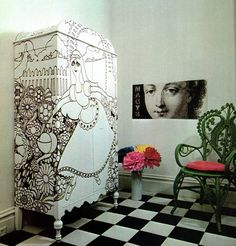 DIY inspiration: Drawings on furniture. Would be nice to update an old cabinet for a teenage girl room.DIY inspiration: Drawings on furniture. Would be nice to update an old cabinet for a teenage girl room. Hand Painted Furniture, Funky Furniture, Upcycled Furniture, Furniture Makeover, Furniture Design, Painting Furniture, Furniture Outlet, Furniture Stores, Diy Inspiration