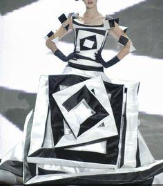 Valentin Yudashkin HC - #fashion #inspiration - http://silvanamonti.it