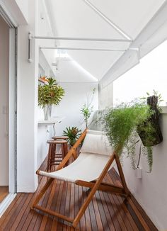White screen - All About Balcony Balcony Flooring, Balcony Chairs, Indoor Balcony, Porch And Balcony, Indoor Outdoor Furniture, Outdoor Decor, Apartment Balcony Decorating, Balcony Design, Balcony Ideas