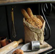 12th scale dollhouse bread