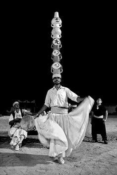 #Apontamentos em fotografia digital: dança #berbere - #Tunísia; Parque Sibelius em Helsínquia – Finlândia, junto do monumento ao compositor