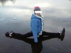 бесстрашные дети-носятся по льду!)