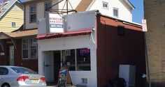 Red White & Que is a small smokehouse with big flavor and a friendly atmosphere.