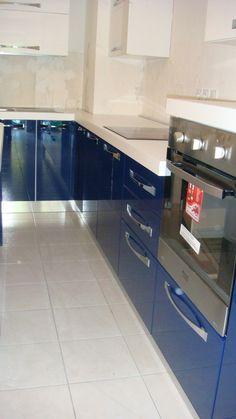 Mobila Bucatarie cu Usi din MDF Vopsit Albastru cu Alb Mobila Bucatarie Moderna Kitchen Cabinets, Home Decor, Houses, Kitchens, Decoration Home, Room Decor, Cabinets, Home Interior Design, Dressers