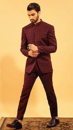 Mens Indian Wear, Mens Ethnic Wear, Indian Groom Wear, Indian Men Fashion, Mens Fashion Suits, Mens Suits, Formal Attire For Men, Mens Attire, Wedding Dress Men