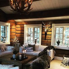 Luxury Log Cabin Interior Design Ideas For Tiny House Cabin Style, Log Home Interiors, Rustic House, House Interior, Cabin Interiors, Home, Log Home Interior, Cozy House, Cabin Interior Design