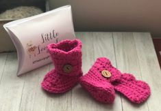 New Crochet Shoes Baby Girl Ugg Boots Ideas Crochet Baby Pants, Crochet Hats For Boys, Crochet Shoes, Crochet Baby Booties, Baby Girl Sandals, Baby Girl Shoes, Handmade Baby Items, Handmade Shop, Girls Ugg Boots