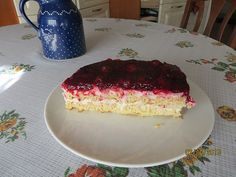 Waffeltorte mit Roter Grütze Waffle cake with red fruit jelly, a good recipe from the category sweets. Waffle Cake, Berry Compote, Cheesecake, Cookie Pie, Blueberry Recipes, Food Cakes, Healthy Foods To Eat, Healthy Life, Recipes