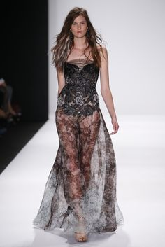 Badgley Mischka RTW Spring 2015 soo interesting can't help but love it